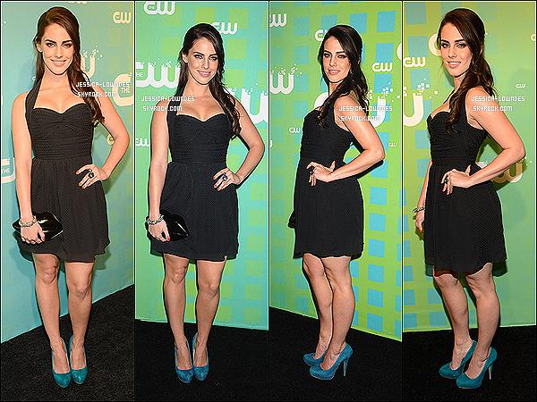 """. 17/05/12 : Jessica, toute jolie, a été vu à l'évènement """" The CW Network's Upfront"""" à New York.Comme presque tout le Cast de la série 90210 Beverly Hills, Jessica Lowndes y était. La belle n'a posée avec aucun(e) de ses co-stars ...."""