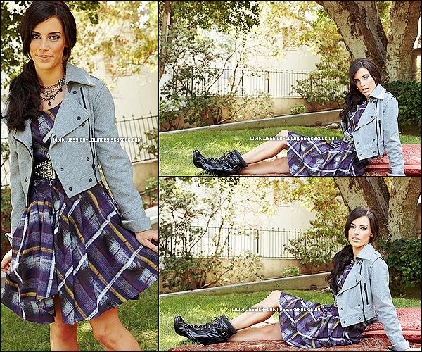 """. Jessica Lowndes pose pour le magasine """"Life & Style"""" en 2009          (3éme partie).."""