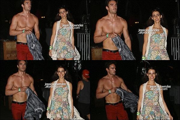 """13/04/13 : Jess' et son petit-ami étaient présents à un évènement organisé par la marque """"Guess"""" à l'hôtel The Viceroy. Dans la soirée le couple s'est rendu au fésitival """"Coachella"""", décidément, Jessica Lowndes a vite tourné la page !"""