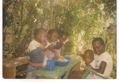 ken jetaii peti c'est la famille en 2000