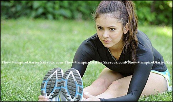 07/05/?? : Nina Dobrev pendant son jogging.