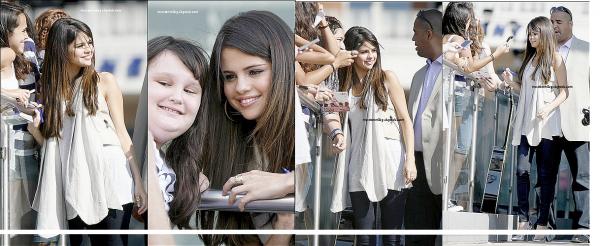 le 15 JUIN 2011 :Selena Gomez rencontre des fans enfin! en sortant des studios à Dallas au Texas.