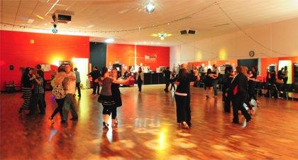 Learn How to Dance Ballroom – Anybody Can Learn It