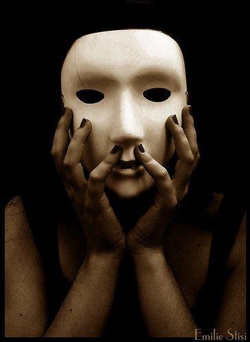Les masques pour la personne avec lalbumine par le miel