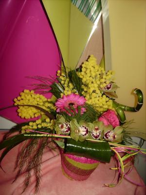 petite composition florale mimosa cr ations florales. Black Bedroom Furniture Sets. Home Design Ideas