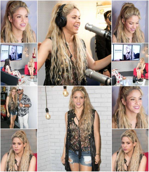 Shakira avec des journalistes en Floride (Miami)