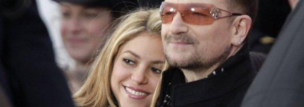 """Shakira aux anges : U2 reprend sur scène le tube planétaire """"Whenever, Wherever"""" (le 14/10/2017)"""