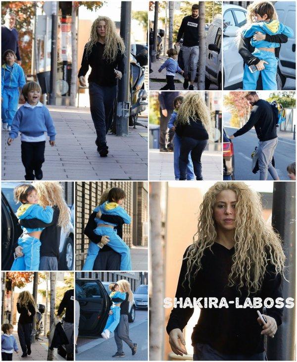Gérard Piqué et Shakira dans les rues de Barcelone (le 11/10/2017)
