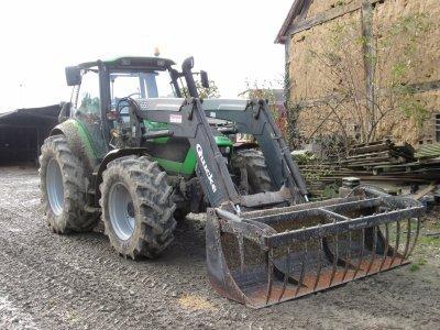 tracteur deutz avec une fourche