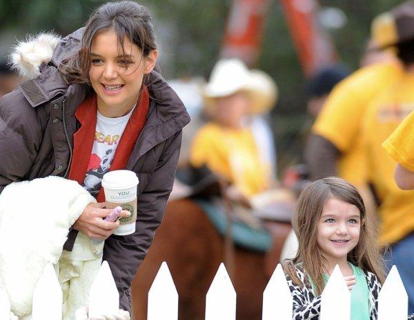 11 janvier 2011 Katie a emmené Suri au zoo du Plummer Park à Los Angeles