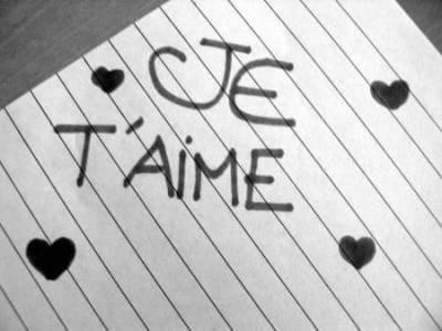 """Juste un """"je t'aime"""" suffirais tu sais..."""