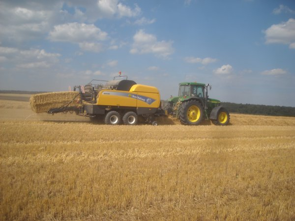 Pressage en John deere et New Holland.
