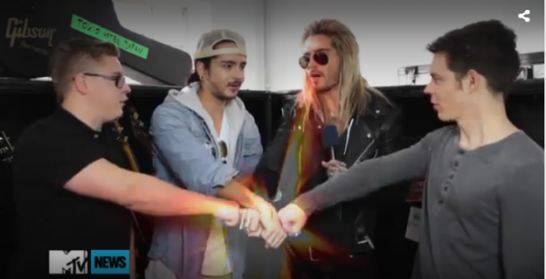 TOKIO HOTEL Genre Tokio Hotel c'est ça _  ça _  & aussi ça _