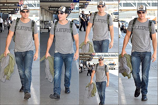 25/09/2014 : Après plusieurs jours  sans nouvelles  du beau Pet Facinelli à été aperçu a l'aéroport de Los Angeles ! ...  !