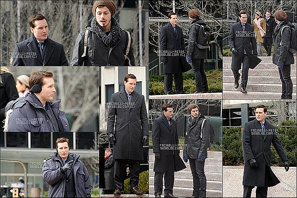 """19/01/2015 :   Quelques photos de Peter Facinelli avec un de ces partenaire  sur le tournage de """" Odyssey """" à NY !  Peut d'infos sur le déroulement du set donc je ne peut pas vous en dire plus mais nous avons quand même quelques photos !"""