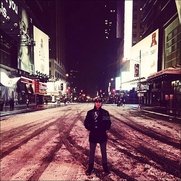 """27/01/2014 : Nouvelle photo de Peter Facinelli poster sur son compte instagram !   """" La ville qui ne dort jamais est prise d'une grande sieste ce soir. Jamais rien vu de tel. """""""