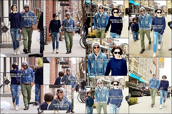 31/03/2015 : Peter Facinelli & Jaimie Alexander s'accorde une petite promenade dans un Manhattan à New York !   Enfin une sortie pour nos deux tourtereaux . J'adore leur look, j'adore leur complicité, j'adore simplement les voir ensemble !
