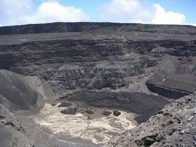 Fichier:Karthala volcano de Comoros
