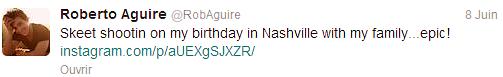 Le 08/06 : Emma a été aperçue avec son ami Roberto Aguire à Nashville (anniversaire de Roberto)