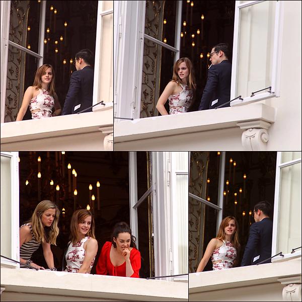 Le 13/07 : Emma a été aperçue au mariage de Caroline Sieber à Vienne en Autriche