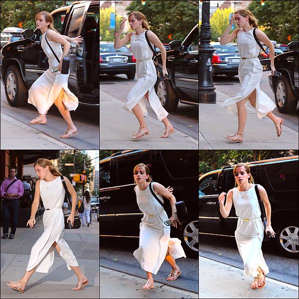 """Le 15/08 : Emma a été aperçue arrivant à l'hôtel """"Greenwich"""" à New York"""