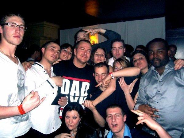 le groupe avec daddy K soirée juste  ENORME  O LOUISE GALLERY A BRUXELLES  PARIS ETAIT MONTE^^