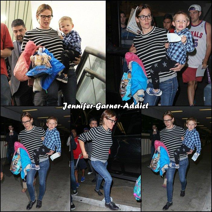 Jen et Samuel au LAX Aéroport - le 21 Octobre -