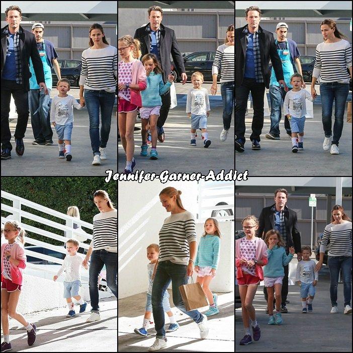 Toute la petite famille a été faire des courses puis s'est rendue à un anniversaire - le 14 Novembre -