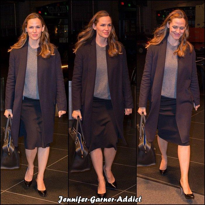 Jen à New York de sortie - le 18 Novembre -