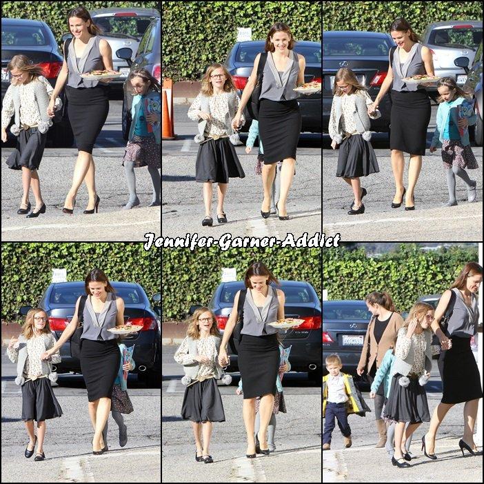 Jen et les enfants se sont rendus à l'église - le 13 Décembre -