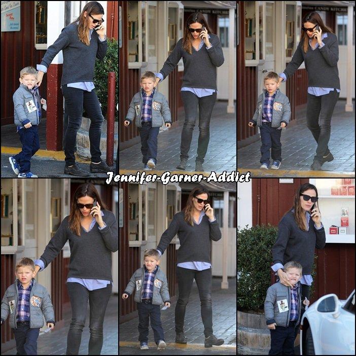Jen et Samuel sont alls au brentwood market avant d'aller chercher les filles à l'école - le 17 Décembre -