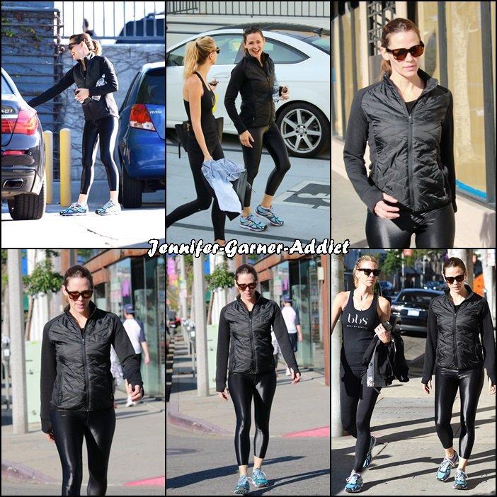 Jen à son cours de gym (aller et retour) avec une amie - le 6 Février -