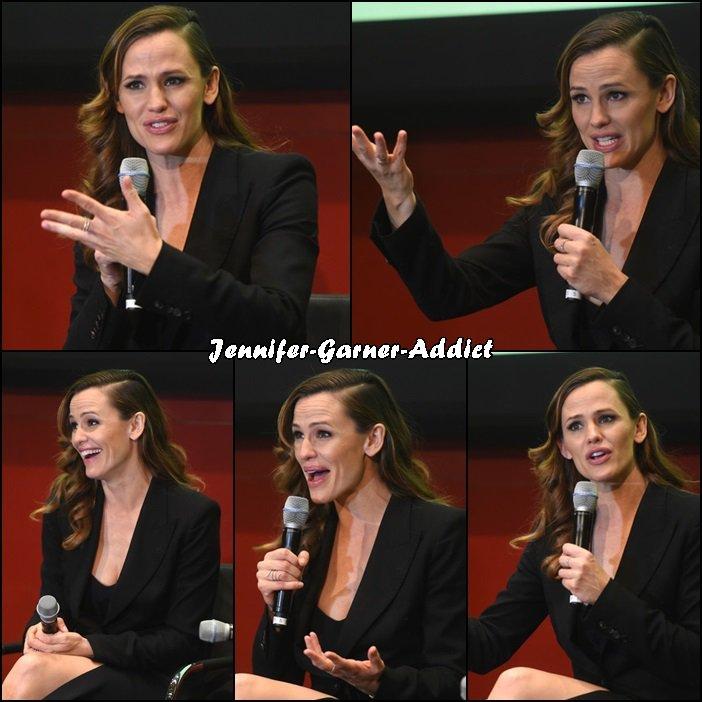 Jen s'est rendue à une soirée The MOMS Miracles From Heaven Mamarazzi et a parlé du film au Hearst Tower à NYC - le 16 Mars -