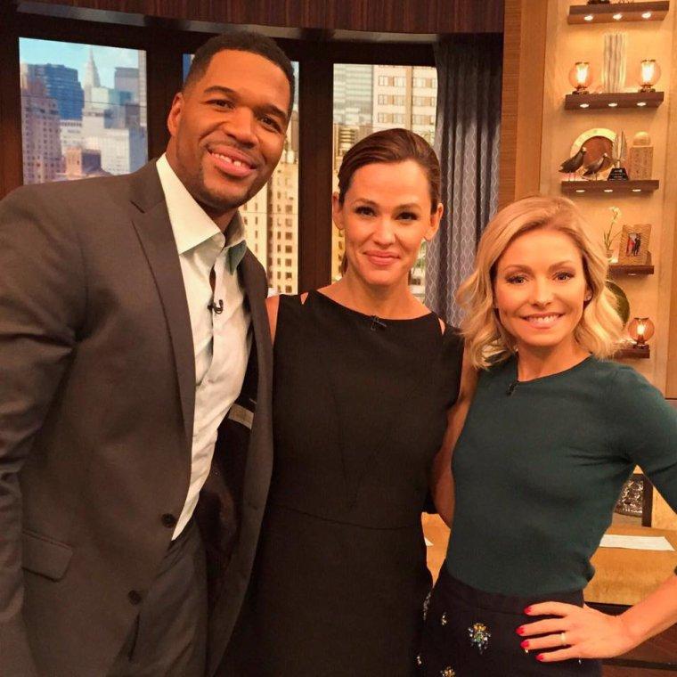 Jen dans l'émission de Kelly et Michael - le 17 Mars -