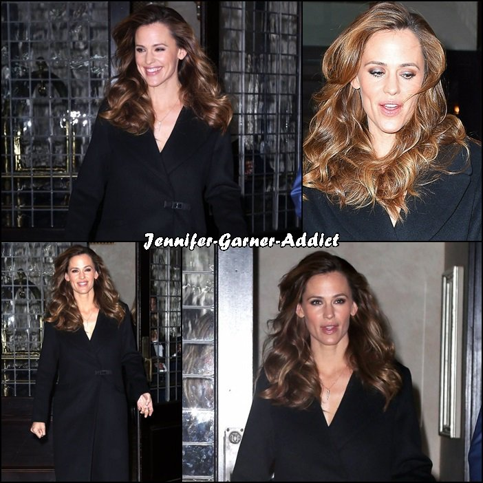 Jen sortant de l'émission de Seth Meyers - le 17 Mars -