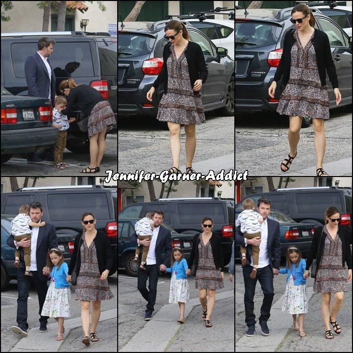 Jen, Ben, Séraphina et Samuel sont allés à l'église en famille pour fêter Pâques - le 27 Mars -