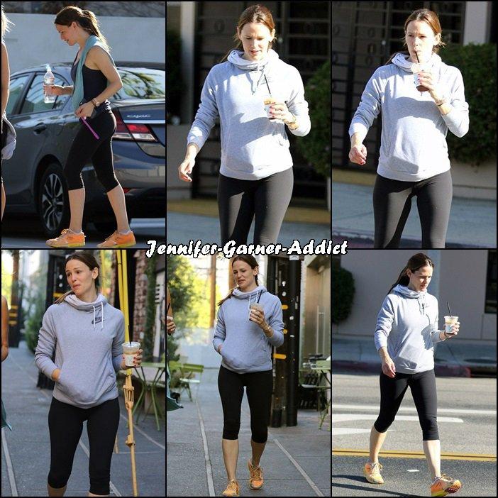 Jen a été à son cours de gym - le 2 Avril -