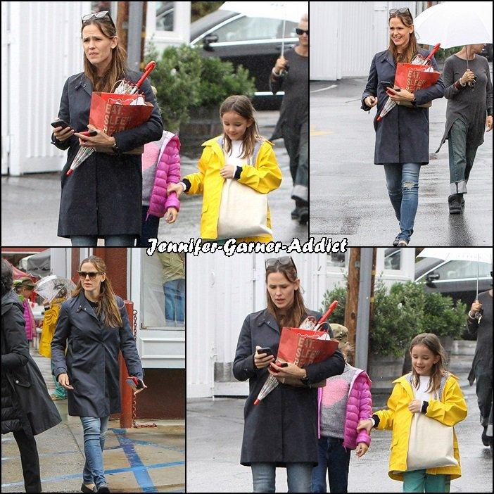 Jen et Séraphina sont allées faire des courses matinales - le 8 Avril -