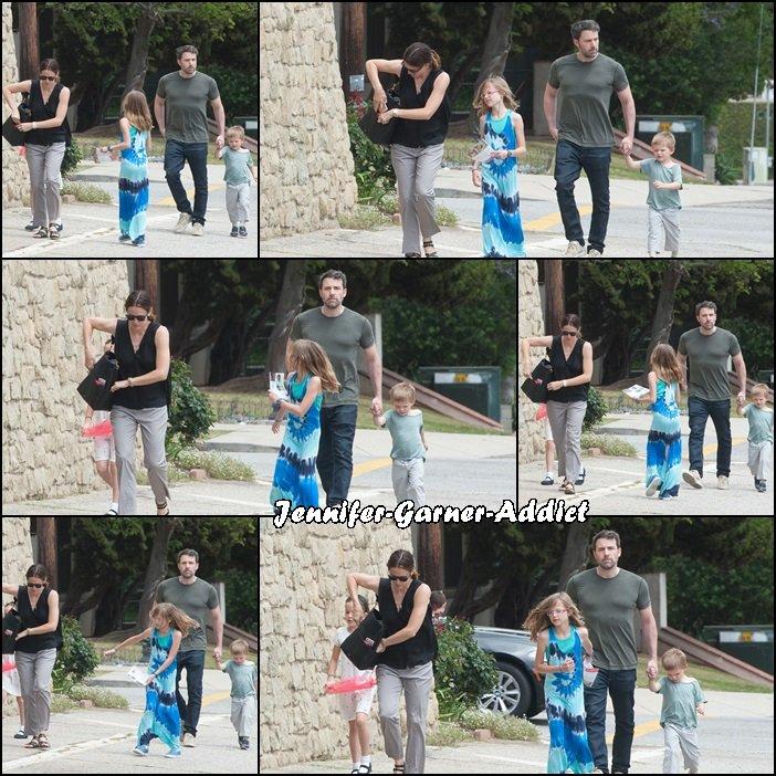 Jen et toute la famille dans Los Angeles - le 24 Avril -