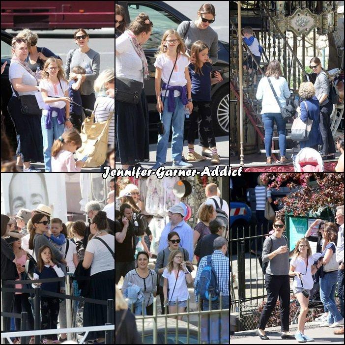 Visite de Paris pour Jen, Violet, Séraphina et Samuel (avec la nounou des enfants et des amis semble t il!) - le 6 Mai -