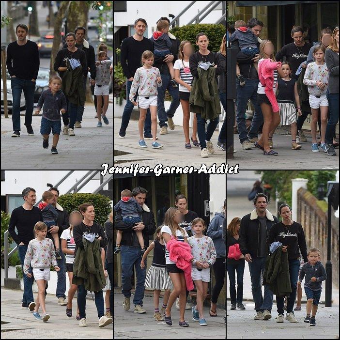 Jen, Ben et les enfants avec des amis à Londres - le 27 Mai -