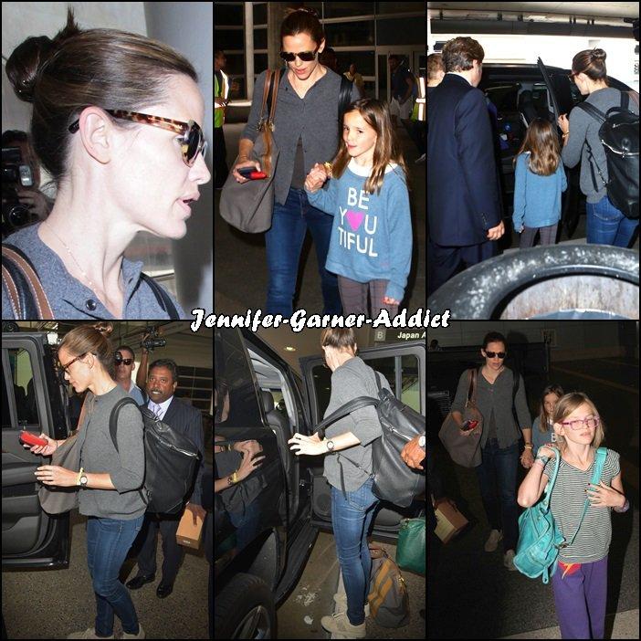 Jen et les enfants sont arrivés à Los Angeles - le 2 Juin -