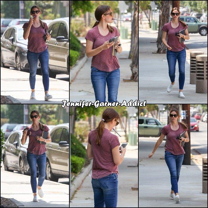 Jen - le 27 Juin - à Hollywood