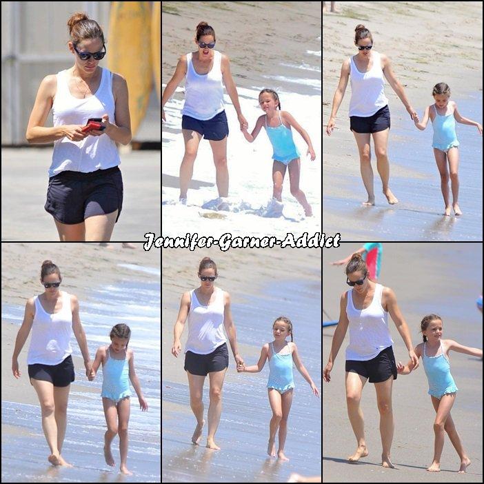 Jen, Séraphina et Samuel à la plage à Malibu - le 3 Aout -