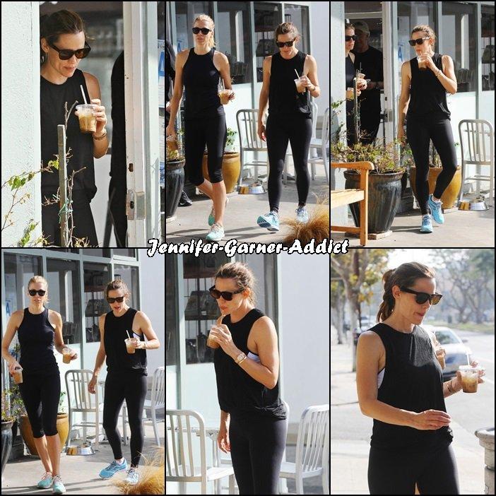 Jen a été à la gym puis se chercher un thé glacé - le 10 Septembre -
