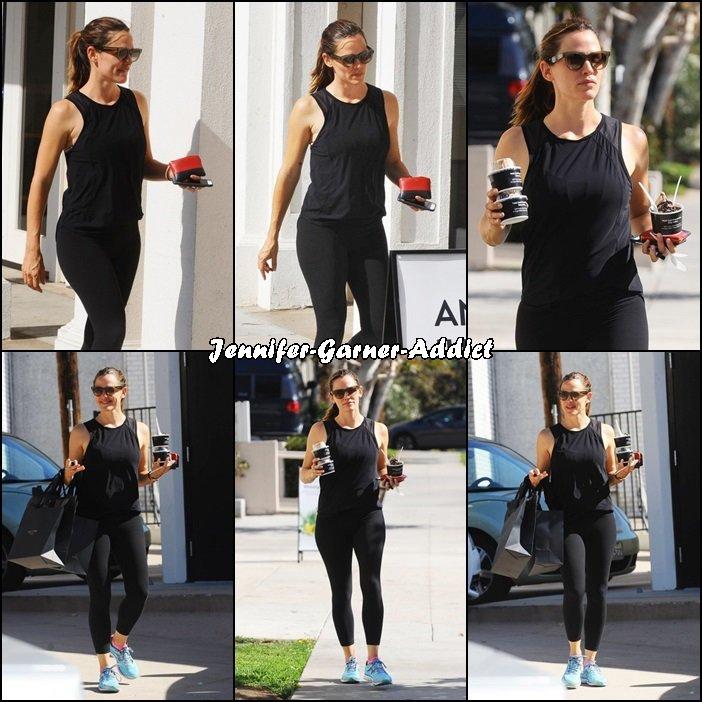 Jen a été à la gym puis chercher un café - le 23 Septembre -