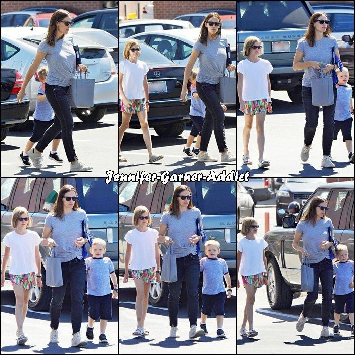 Jen et les enfants de sortie pour quelques emplettes - le 24 Septembre -