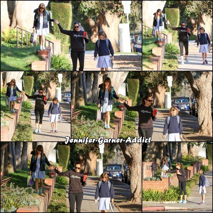 Jen a été chercher les filles à l'école - le 6 octobre -