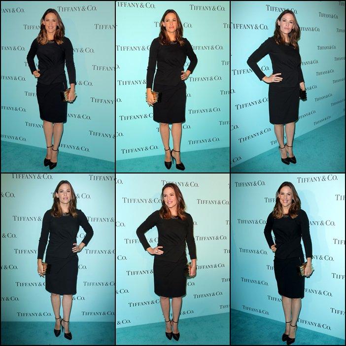 Jen était à la soirée Tiffany and Co organisée pour fêter la réouverture du magasin de Beverly Hills - le 13 Octobre -