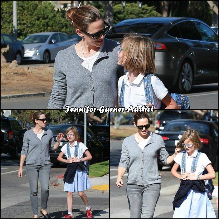 Jen a été chercher Violet à l'école - le 19 Octobre -